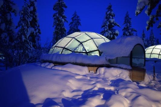 glass_igloo_Finland