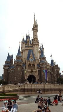 Tokyo_Disneyland_castle