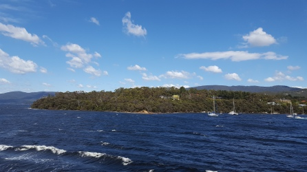 Ferry-to-bruny