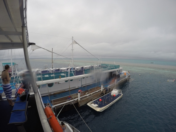 Pontoon-Great-Barrier-Reef